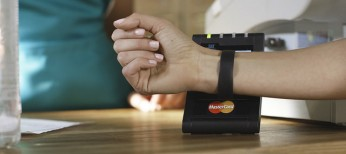 MasterCard-Payment-Device-wristband